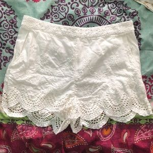 Adorable white lace/embroidery detail shorts